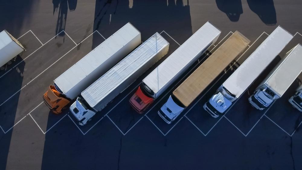 監督実施対象の運送業者「83.1%」で労基法違反。注目すべき、2019年11月1日施行の改正貨物事業法