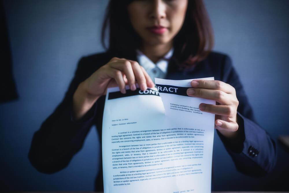 「内定取り消し」は違法?内定取り消しが認められる事例と企業の対応