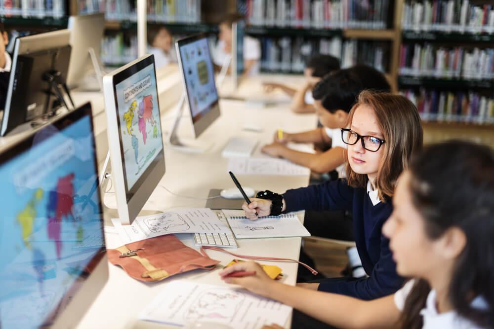 【学校の働き方改革】さいたま市教育委員会が副業・兼業限定「教育DX(デジタルトランスフォーメーション)人材」を公募|教育改革と教員の働き方改革の実現に向けて