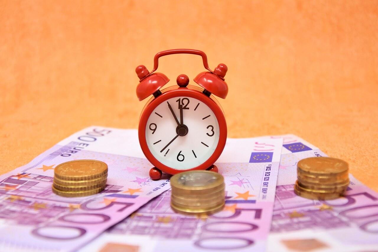 労災における休業補償は所定休日も支払わなければいけない?