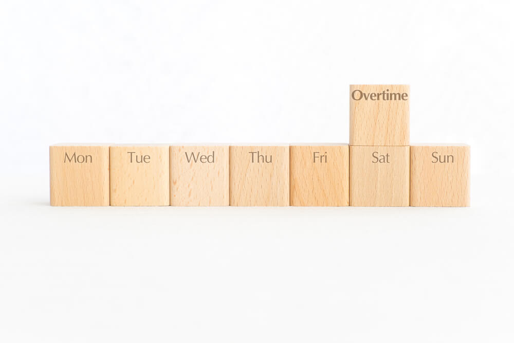 勤怠集計を要確認!意外と盲点になりがちな「週40時間」超の時間外手当
