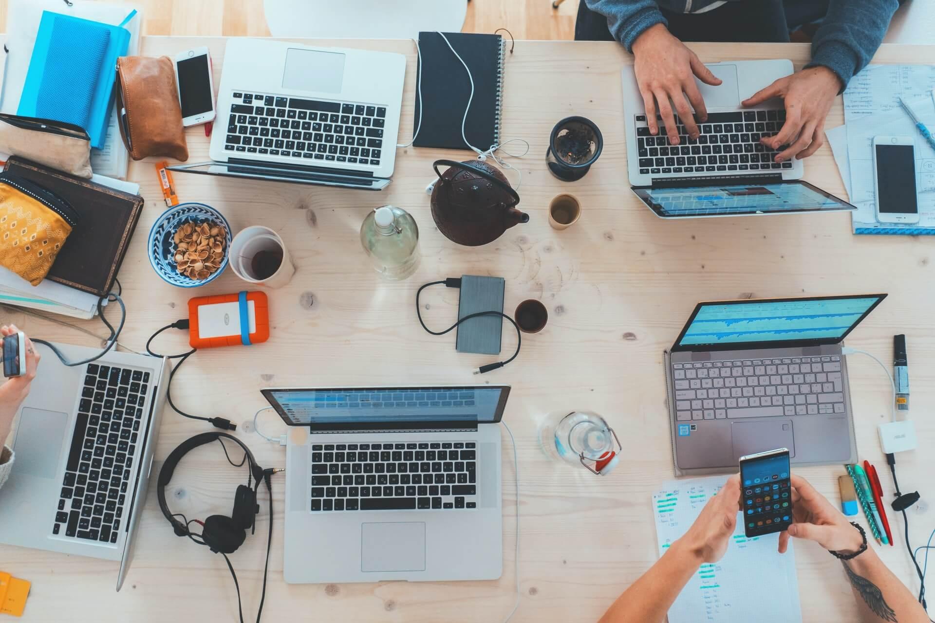 多様な勤務体系を導入する際に人事労務管理の観点から留意する点、検討すべき点とは?